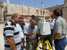 Huddling-around-laser-scanner-in-Roman-Theater