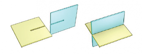 The classic situation of two connected slices: for each piece we create a rectangualr slit in correspondence with the intersection line