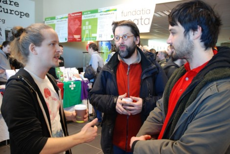 Web90-FOSDEM2014-PreformaResearchers-Discussing_DSC_0096