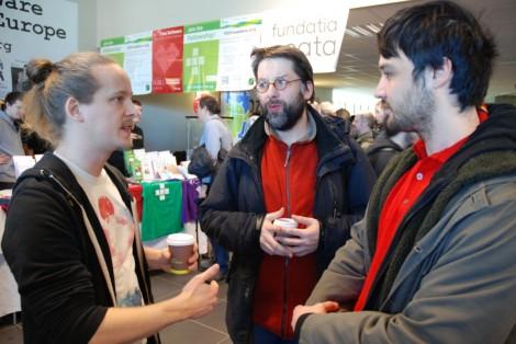 Web90-FOSDEM2014-PreformaResearchers-Discussing_DSC_0096