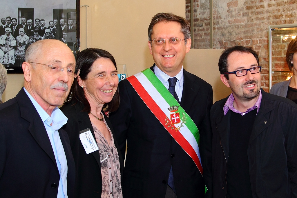 from left, Pietro Masi (curator of the Exhibition and General Manager of Promoter srl), Dott. Antonella Fresa (Director of Promoter srl), Dott. Marco Filippeschi (Major of Pisa) and Dott. Dario Danti (Councillor for Culture and Chairman of the Museo della Grafica) - (photo by Federico Parenti)