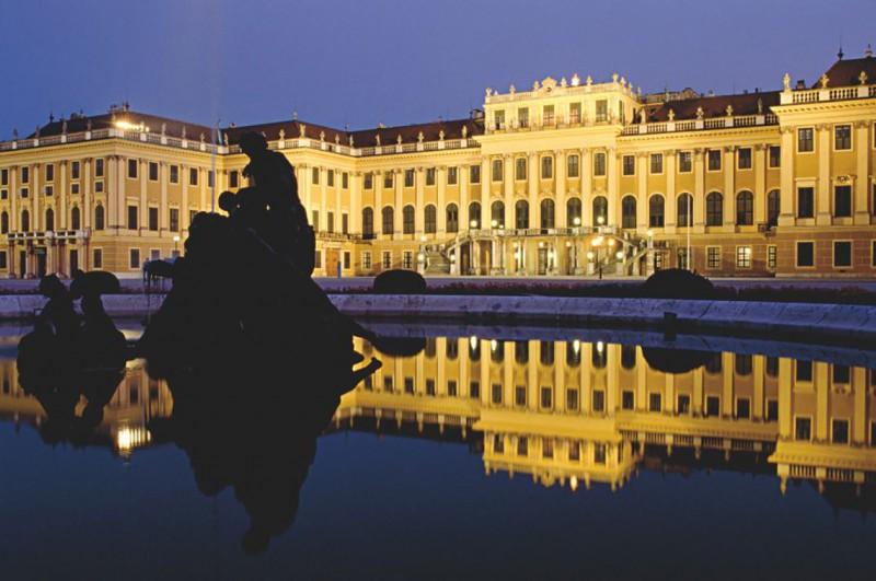 at_sch_nbrunn_palace_w_horvath